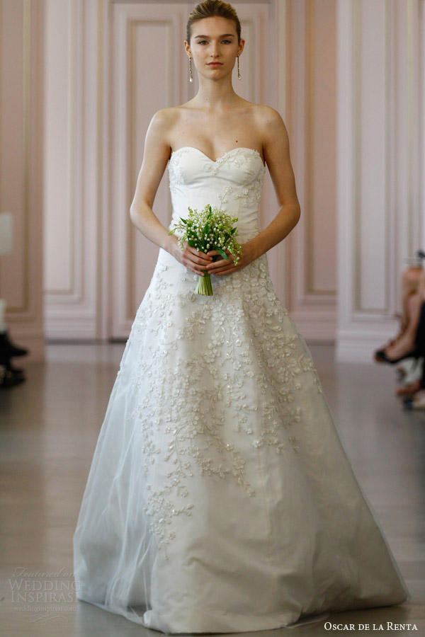 oscar de la renta bridal spring 2016 strapless silk radzimir wedding dress floral embroidered tulle overlay