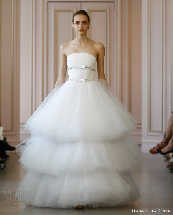 oscar de la renta spring 2016 strapless tiered tulle ball gown wedding dress jewel encrusted grosgrain ribbon