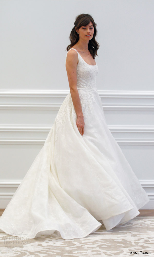 anne barge couture bridal spring 2016 monceau sleeveless scoop neck wedding dress silk organza over chantilly appliqued alencon lace runway