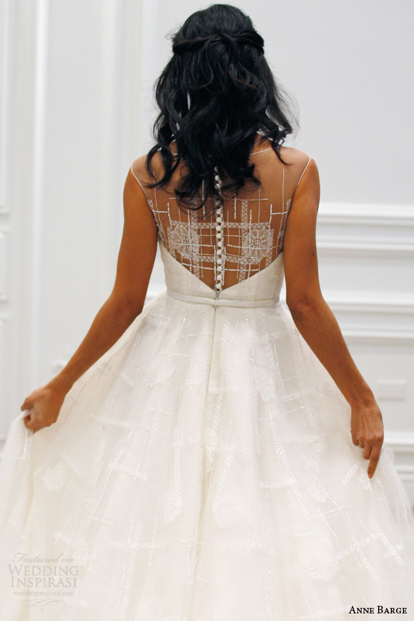 anne barge couture bridal spring 2016 promenade tulle wedding dress bateau sabrina illusion neckline plaid tulle architectural beading runway back