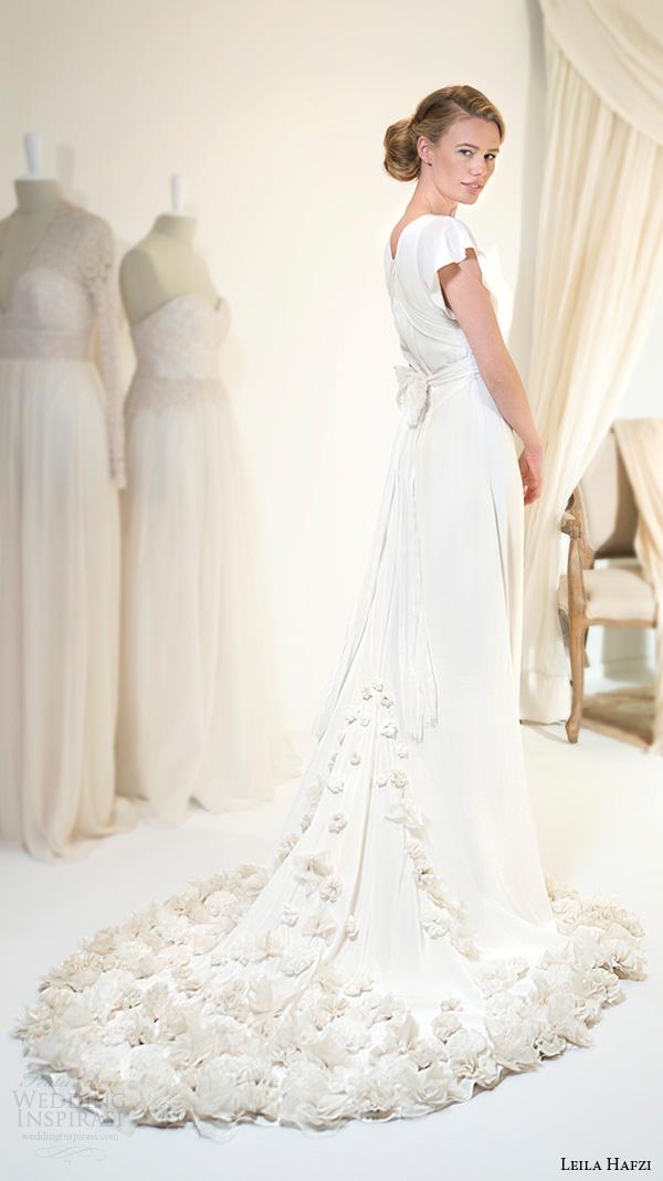 Leila hafzi 2016 wedding dresses royaye sefid vi asha for Butterfly back wedding dress