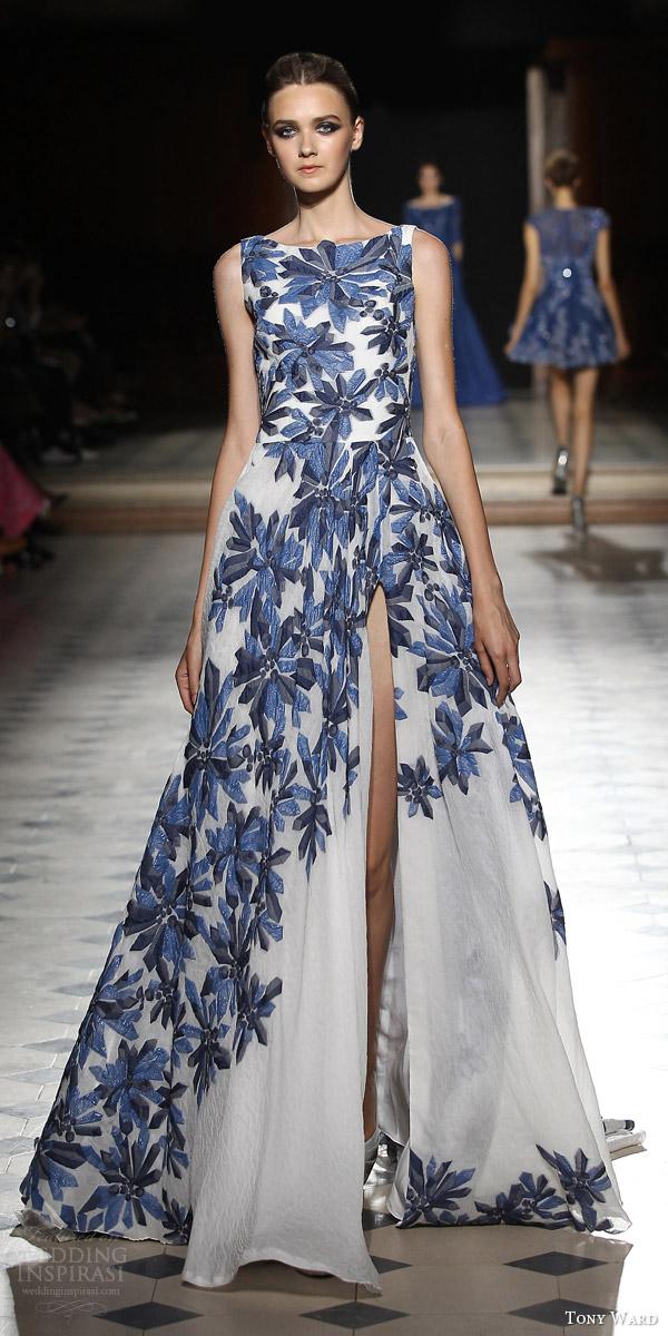 tony ward couture fall winter 2015 2016 look 2 sleeveless gown slit skirt bateau neckline blue cystal motif
