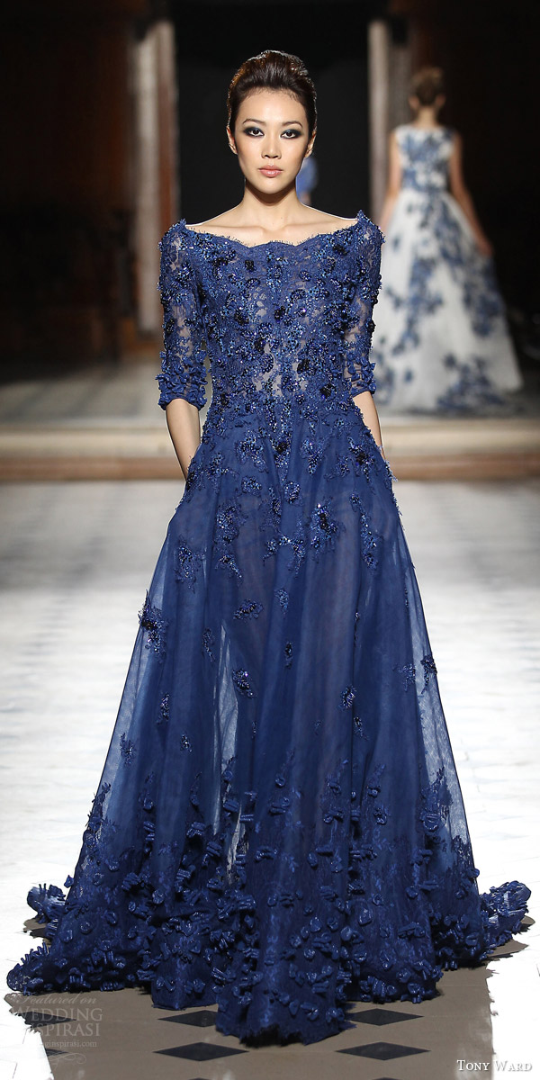 tony ward couture fall winter 2015 2016 look 3 embellished blue gown applique three quarter sleeves scalloped neckline