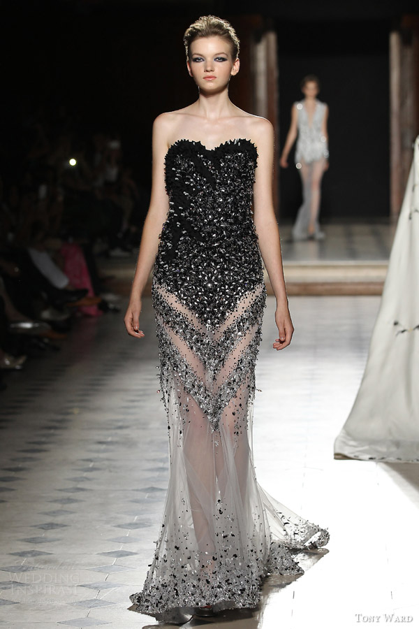 tony ward couture fall winter 2015 2016 look 31 strapless sweetheart black haute couture gown sheer skirt
