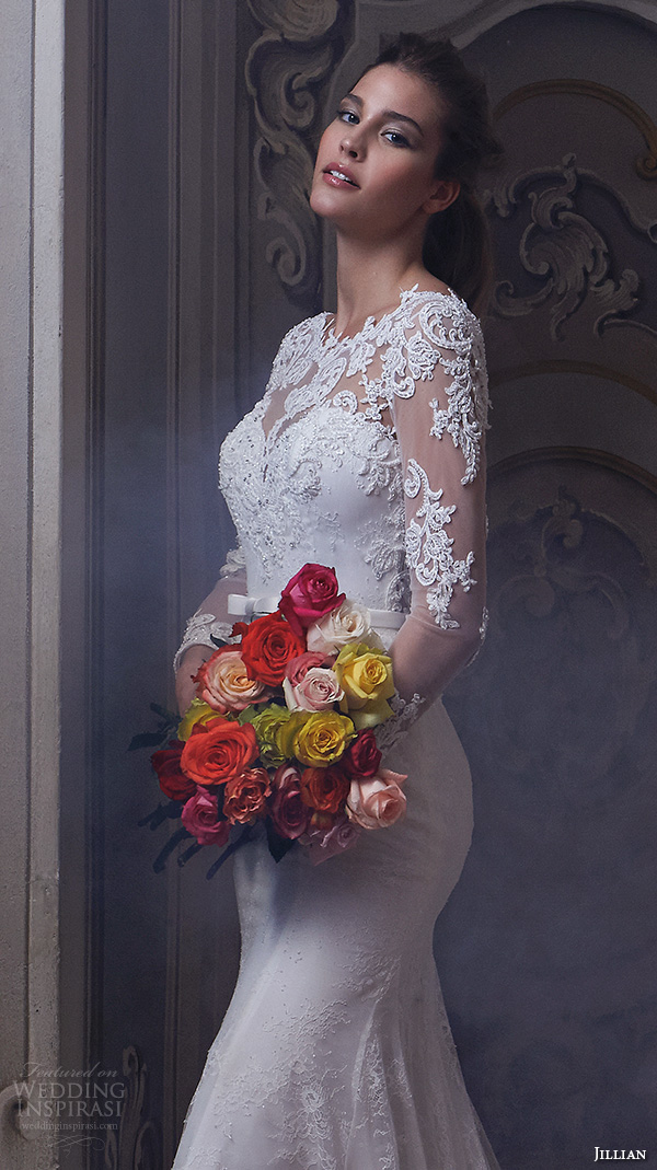 Close Up Long Sleeve Fitted Wedding Dresses