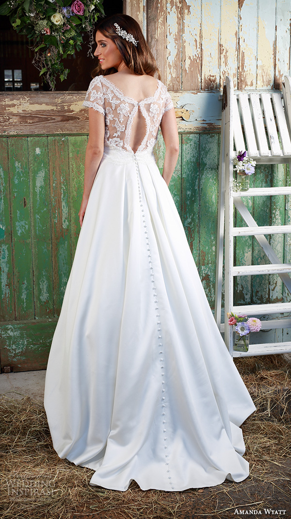 Amanda wyatt 2016 wedding dresses promises of love for Wedding dress ideas for short brides