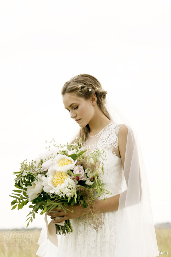 kisui 2016 oui bridal collection camille illusion cap sleeve wedding dress photo shoot close up bodice
