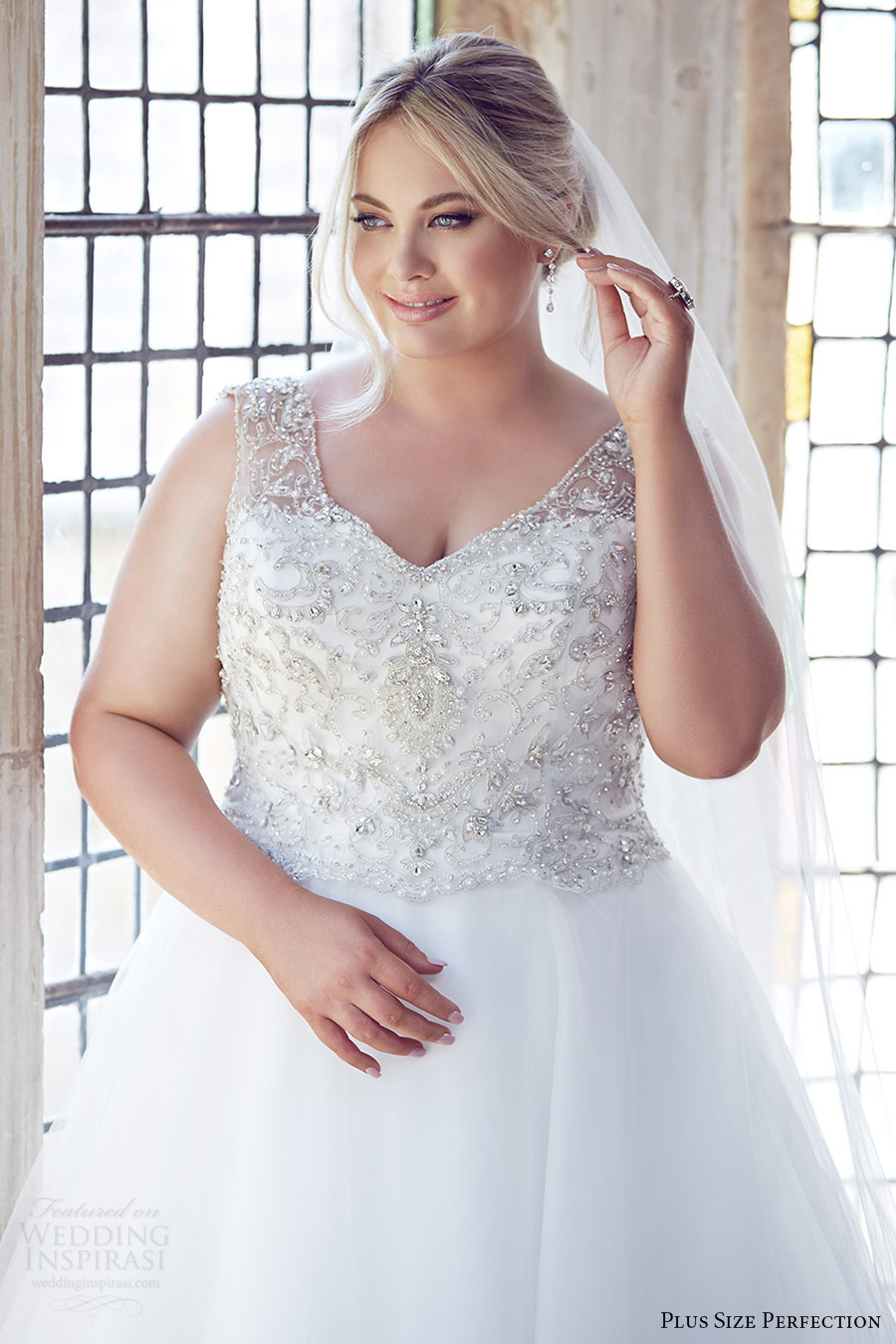 Pre Owned Plus Size Wedding Dresses