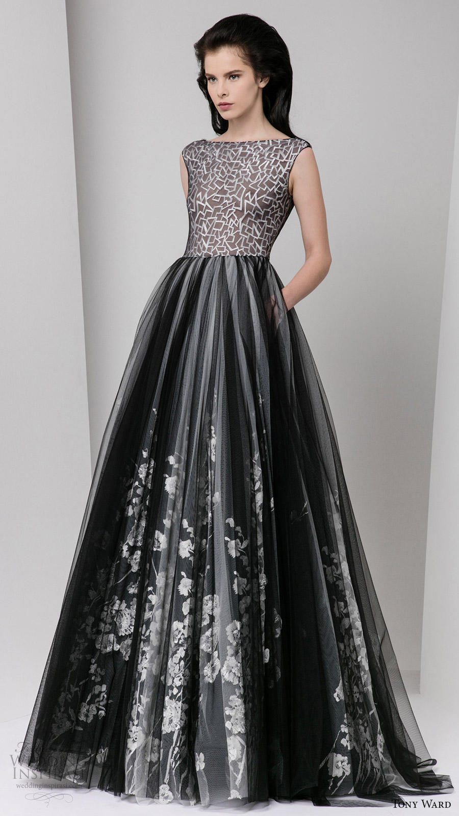 tony ward fall 2016 rtw cap sleeves illusion bateau neck bodice ball gown skirt pockets evening dress black