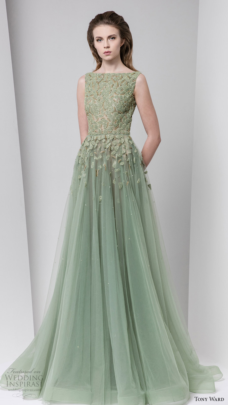 Tony Ward Fall Winter 2016 2017 Rtw Sleeveless Bateau Neckline Ball Gown A Line Evening Dress