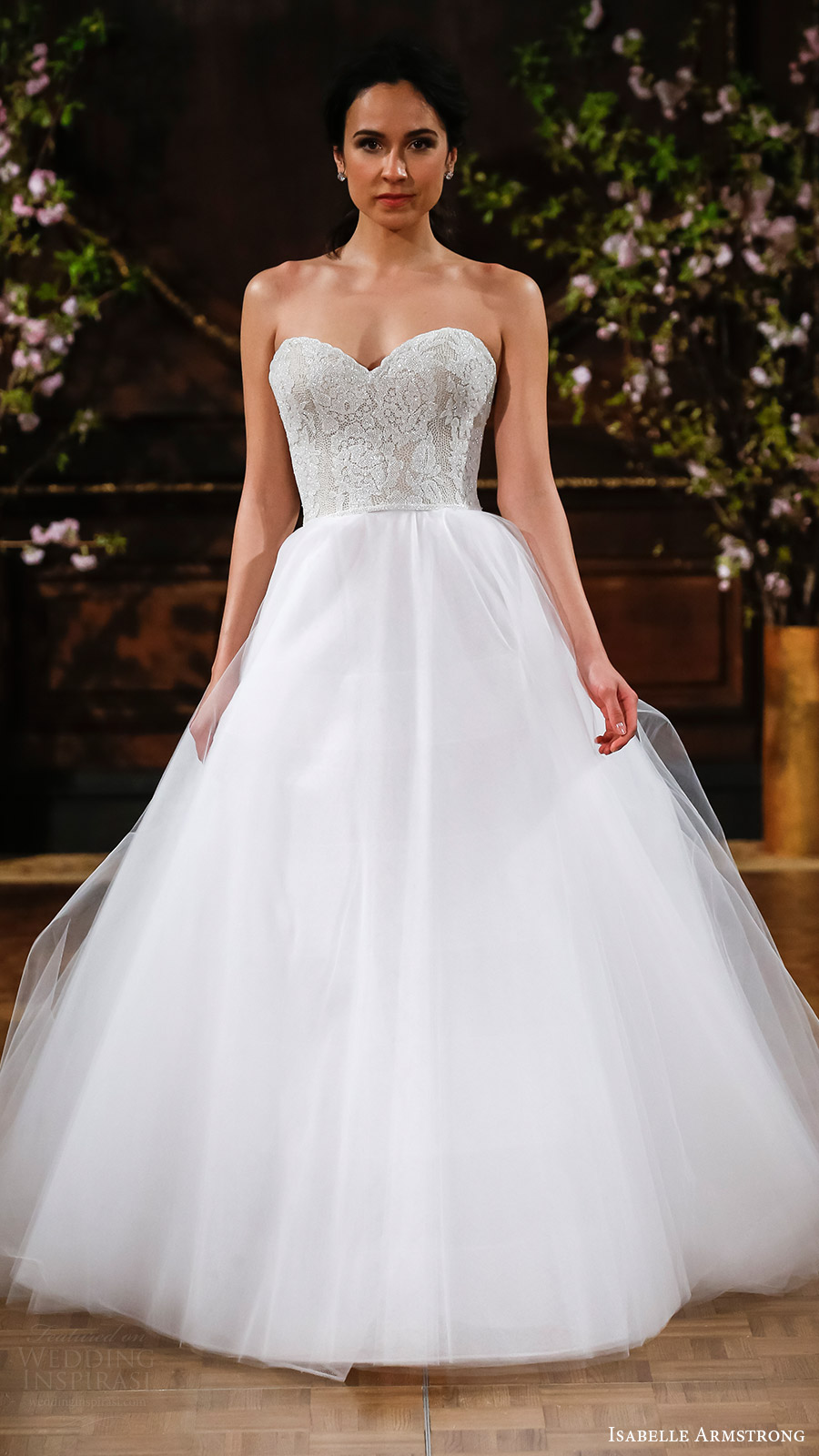 Isabelle armstrong spring 2017 wedding dresses wedding for Ball wedding dresses 2017