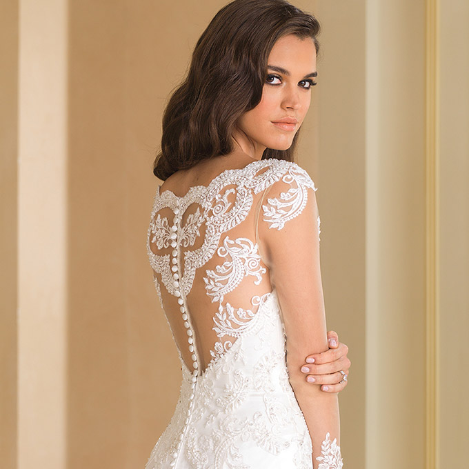 Non Traditional Fall Wedding Dresses: Justin Alexander Fall 2016 Wedding Dresses