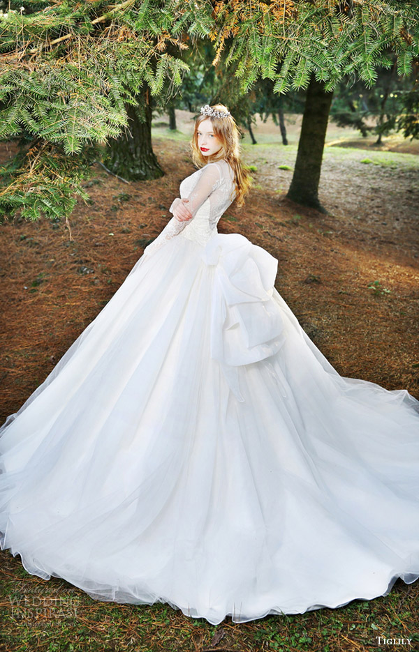 Cosplay Wedding Dress 9 Unique tiglily bridal long sleeves