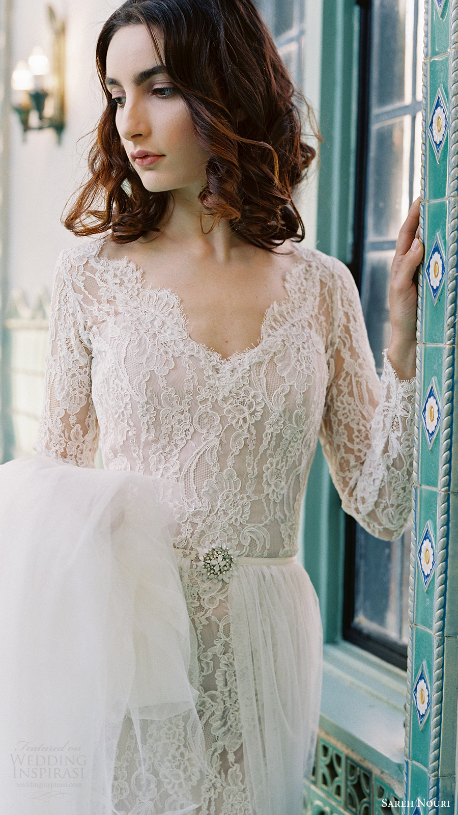 sareh nouri bridal spring 2017 vneck long sleeves lace trumpet wedding dress (morning glory) zv bodice overskirt