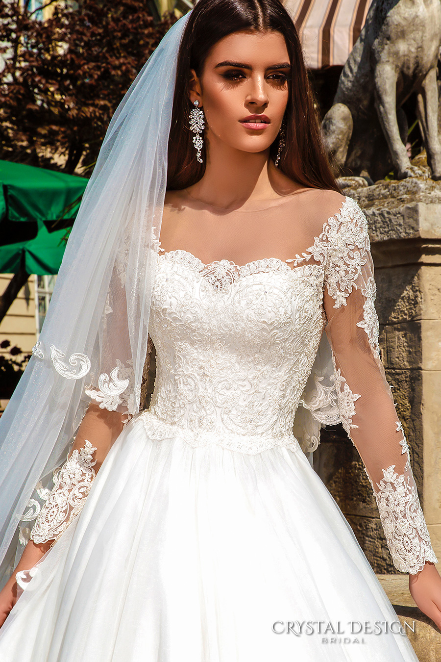 Wedding Dresses With Crystals
