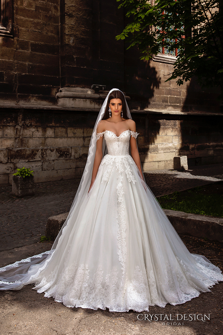 Wedding Dresses With Crystals : Crystal design wedding dresses inspirasi