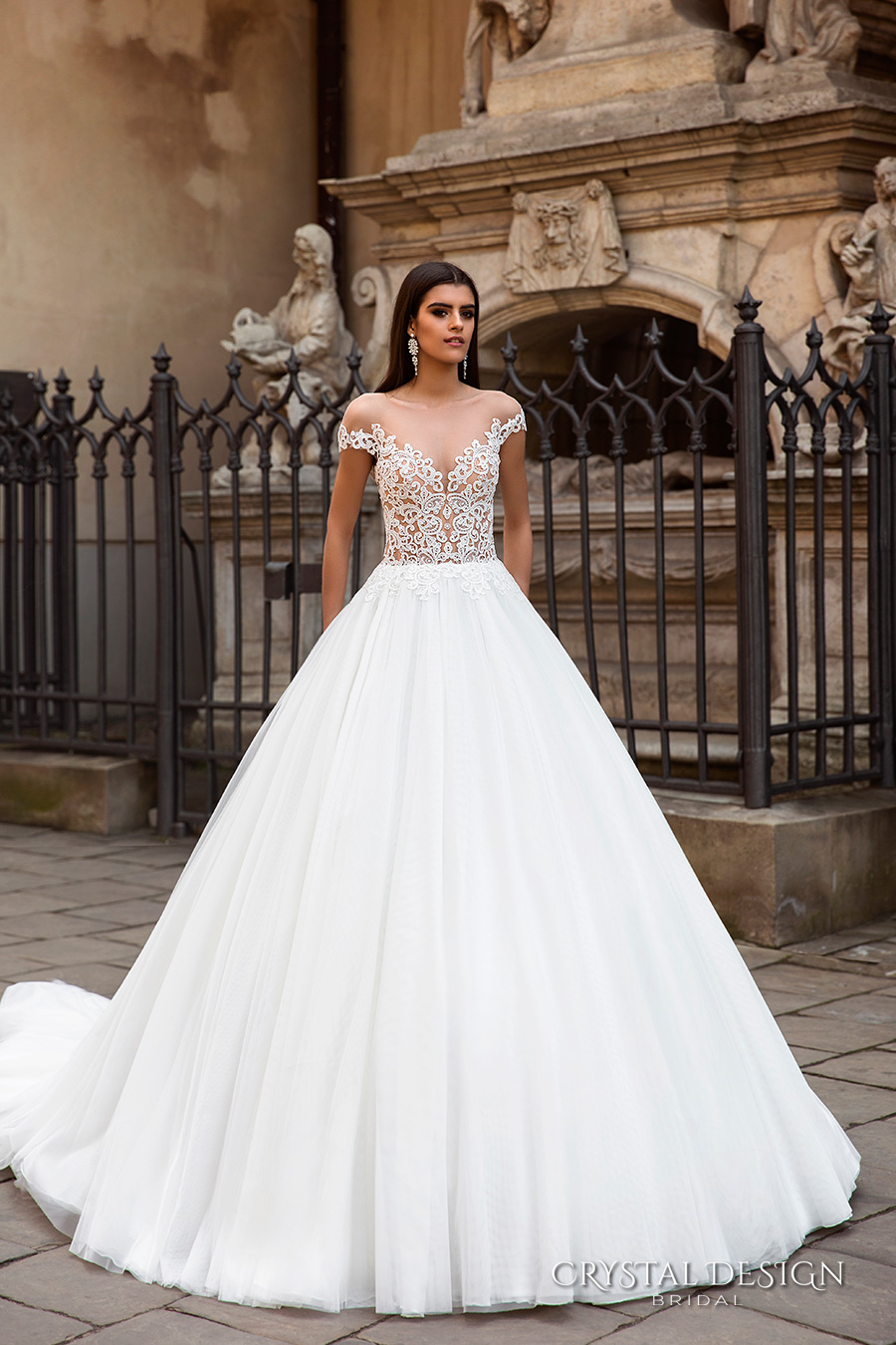 Beautiful ball gown wedding dresses family clothes for Pretty ball gown wedding dresses
