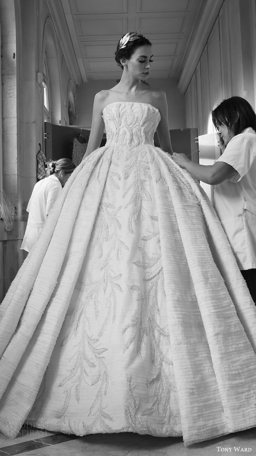 Tony ward fall winter 2016 2017 couture collection for Ball wedding dresses 2017