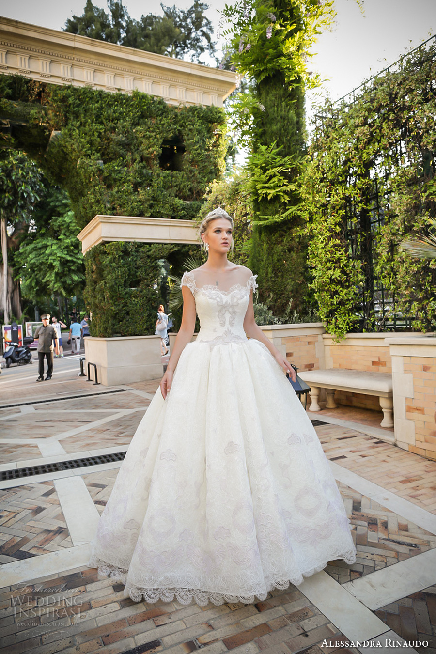 Alessandra rinaudo bridal couture 2017 wedding dresses for A princess bride couture bridal salon