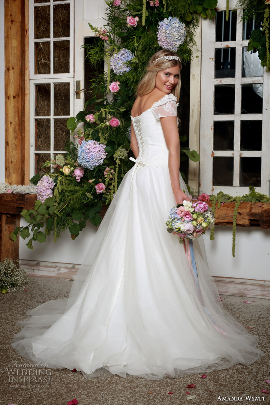 amanda wyatt 2017 bridal short sleeves sweetheart neckline corset bodice tulle skirt classi a  line wedding dress sweep train (springtime) bv