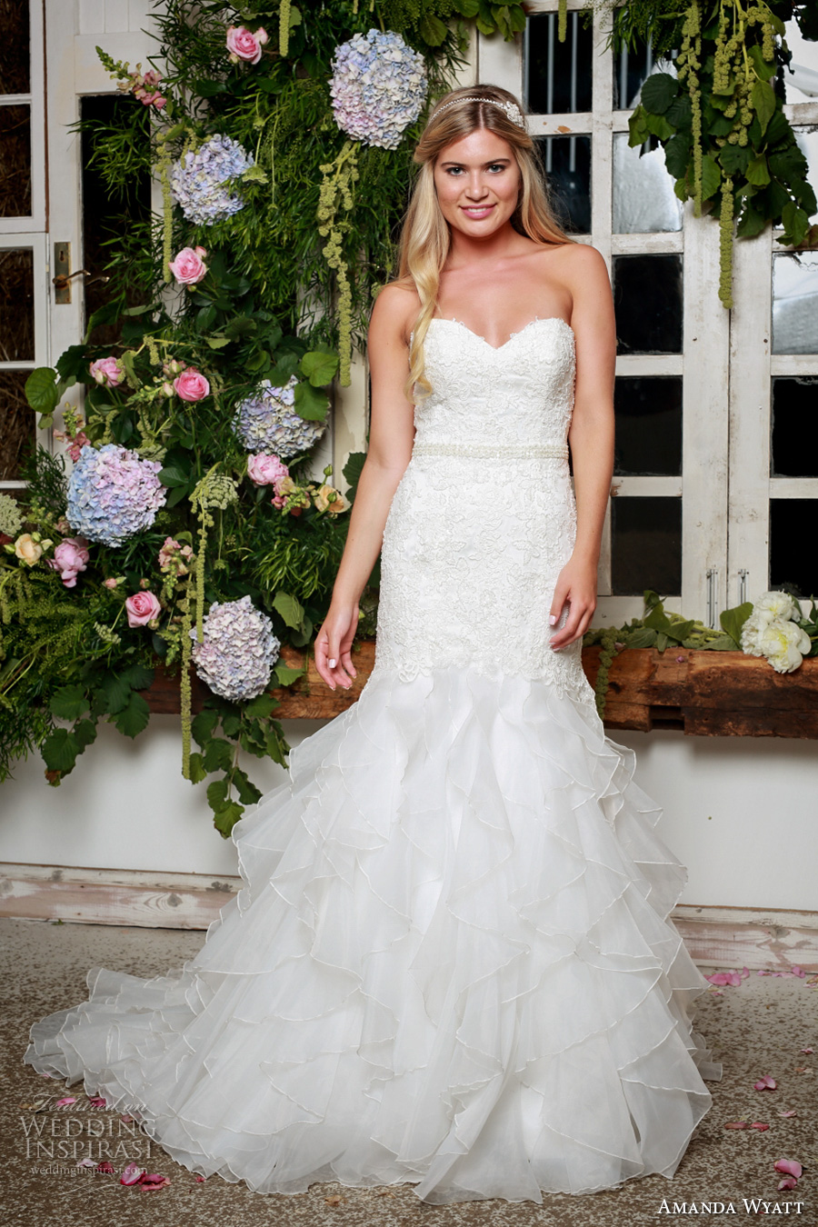 amanda wyatt 2017 bridal strapless sweetheart neckline heavily embellished bodice classic mermaid wedding dress chapel train (sabine) mv