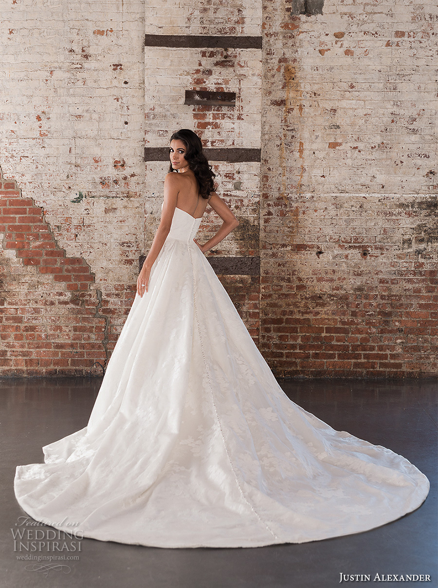 justin alexander spring 2017 bridal strapless sweetheart neckline lightly embellished bodice classic princess ball gown a  line wedding dress chapel train (9858) bv