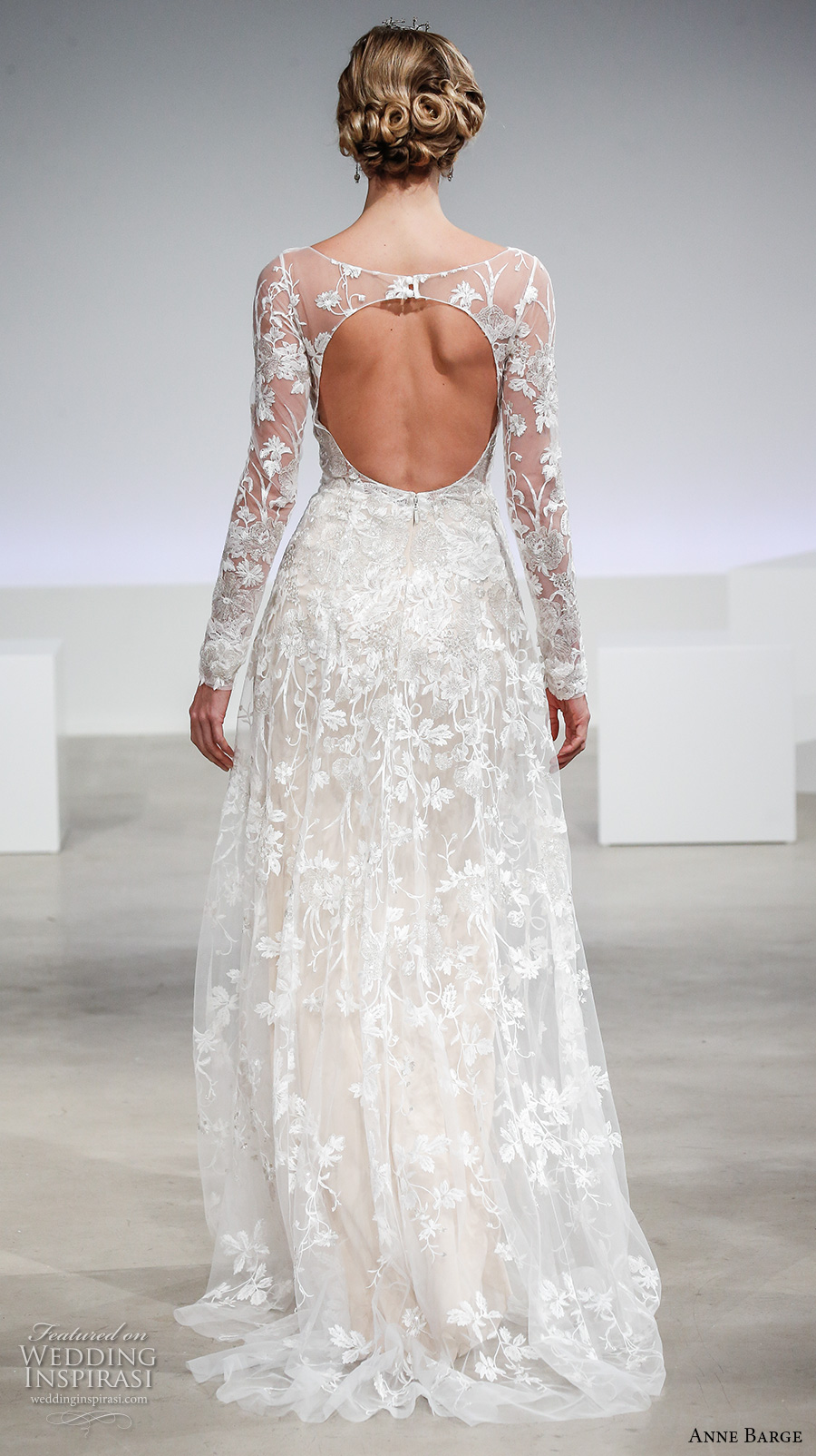 Lace Boat Neck Wedding Dress