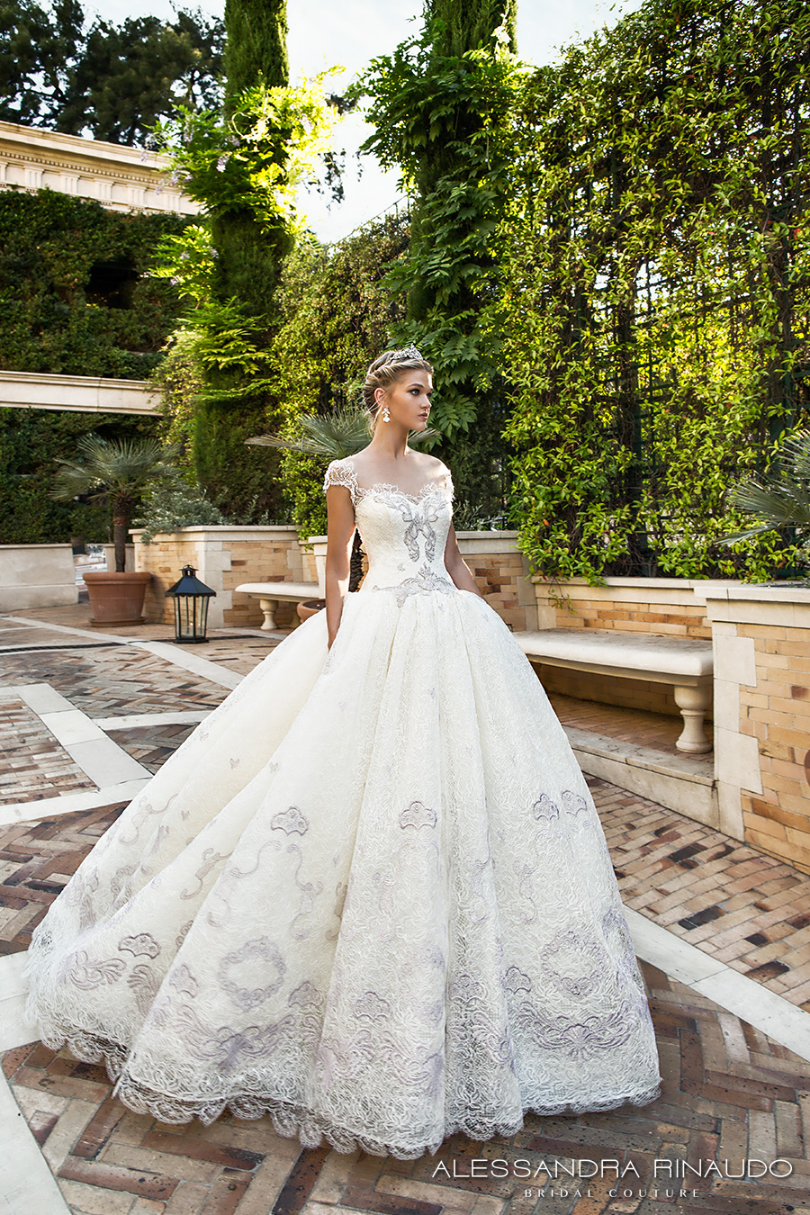 Alessandra Rinaudo 2017 Wedding Dresses — Gorgeous Italian Bridal ...