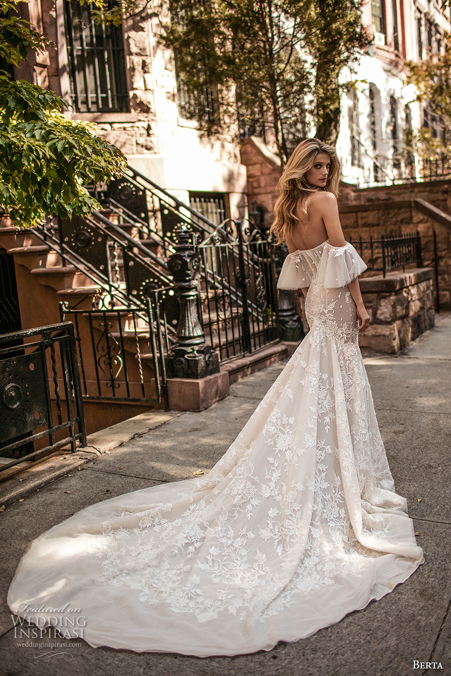 berta fall 2017 bridal strapless off the shoulder sweetheart necklne bustier bodice full embellishment lace fit and flare wedding dress royal train (005) bv