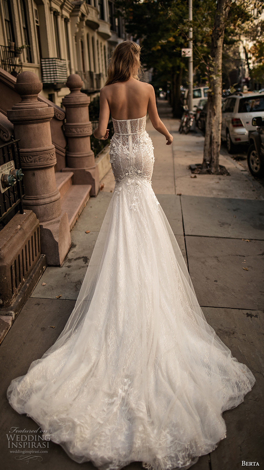 berta fall 2017 bridal strapless sweetheart neckline bustier heavily embellished bodice romantic sexy mermaid wedding dress long train (007) bv
