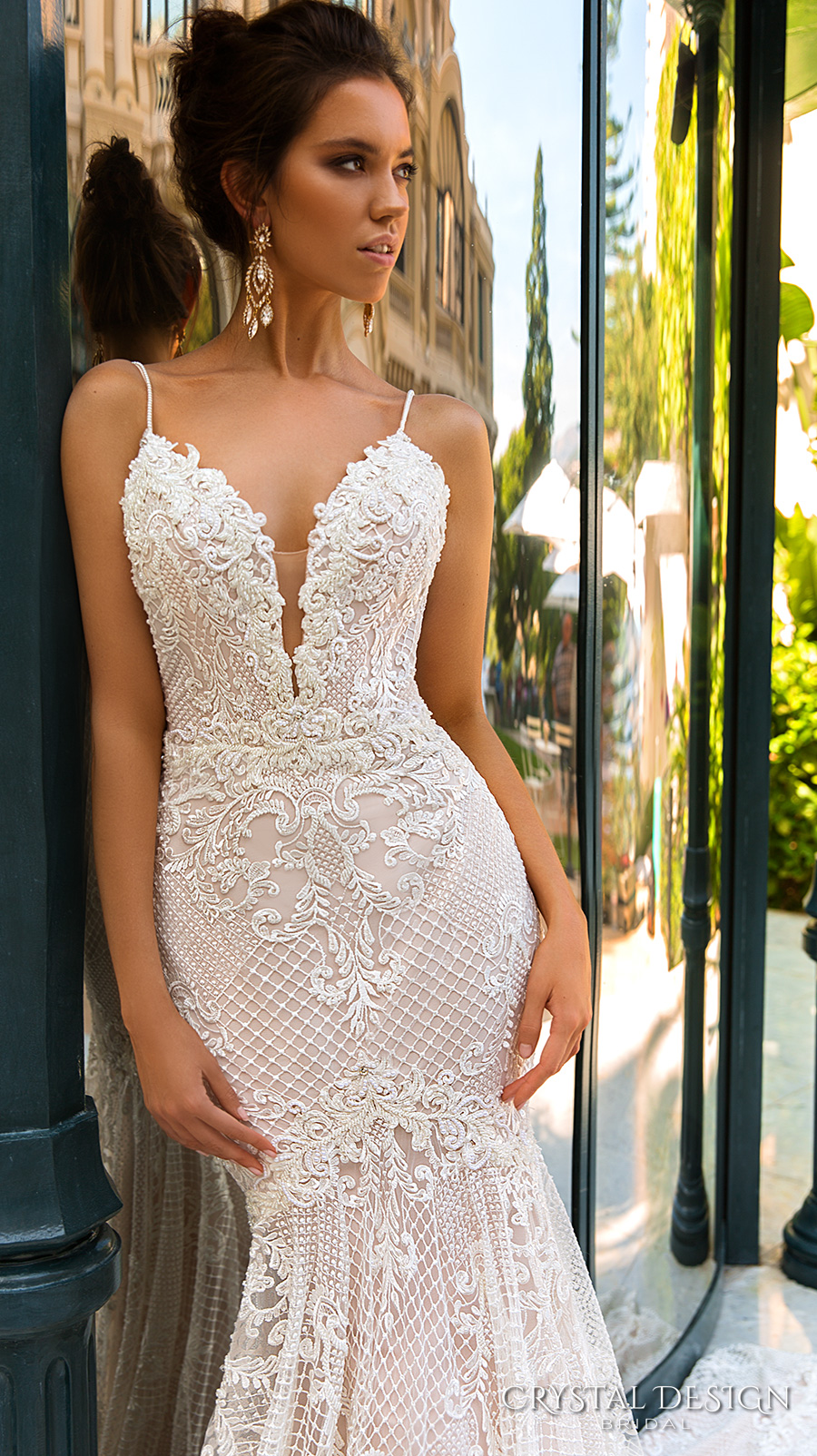 crystal design 2017 bridal sleeveless spagetti strap deep plunging v neck full embellishment elegant sexy fit and flare wedding dress low back chapel train (11 fler) zv