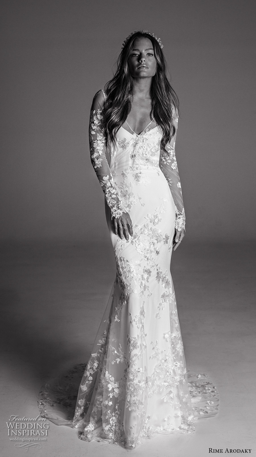 rime arodaky fall 2017 bridal long leeves v neck full embellishment elegant trumpet wedding dress keyhole back sweep train (12) mv