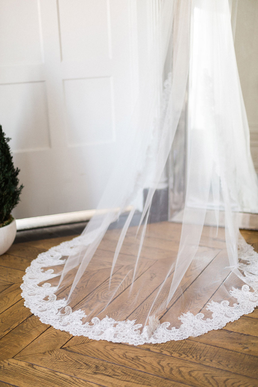 bel aire bridal accessories lace veil jen fu photography 2016 chloe mint styled wedding shoot culver hotel mv