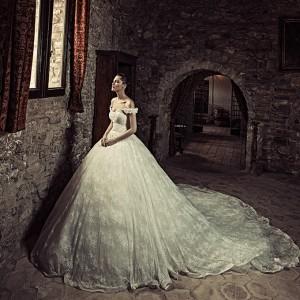 julia kontogruni 2017 bridal wedding inspirasi featured dresses gowns
