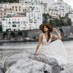 tara lauren spring 2017 bridal wedding inspirasi featured collection dresses gowns