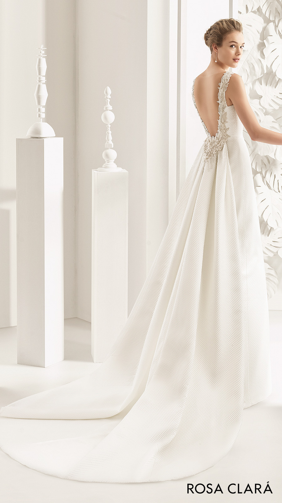 rosa clara 2017 bridal sleeveless bateau neckline simple clean elegant sheath wedding dress open low back chapel train (navas)  bv
