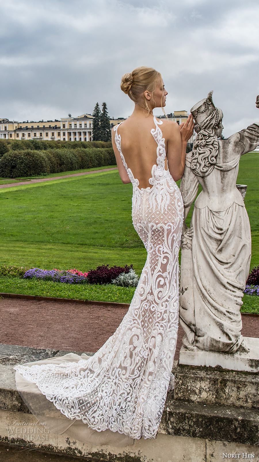 nurit hen 2017 bridal sleeveless halter neck keyhole bodice full embellishment elegant glamorous fit and flare wedding dress open low back sweep train (7) bv