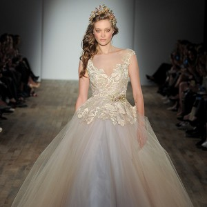 lazaro fall 2017 bridal wedding inspirasi featured dresses gowns collection