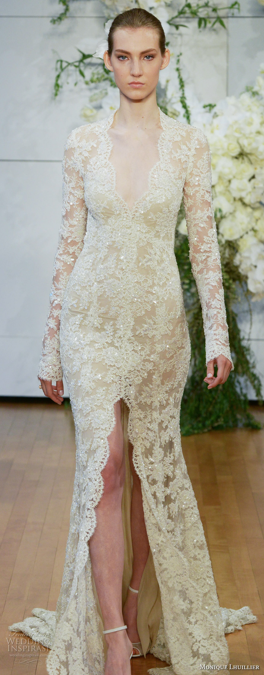 monique lhuillier spring 2018 bridal long sleeves halter neck deep v neck full embellishment lace gold middle slit keyhole back chapel train (faith) zv
