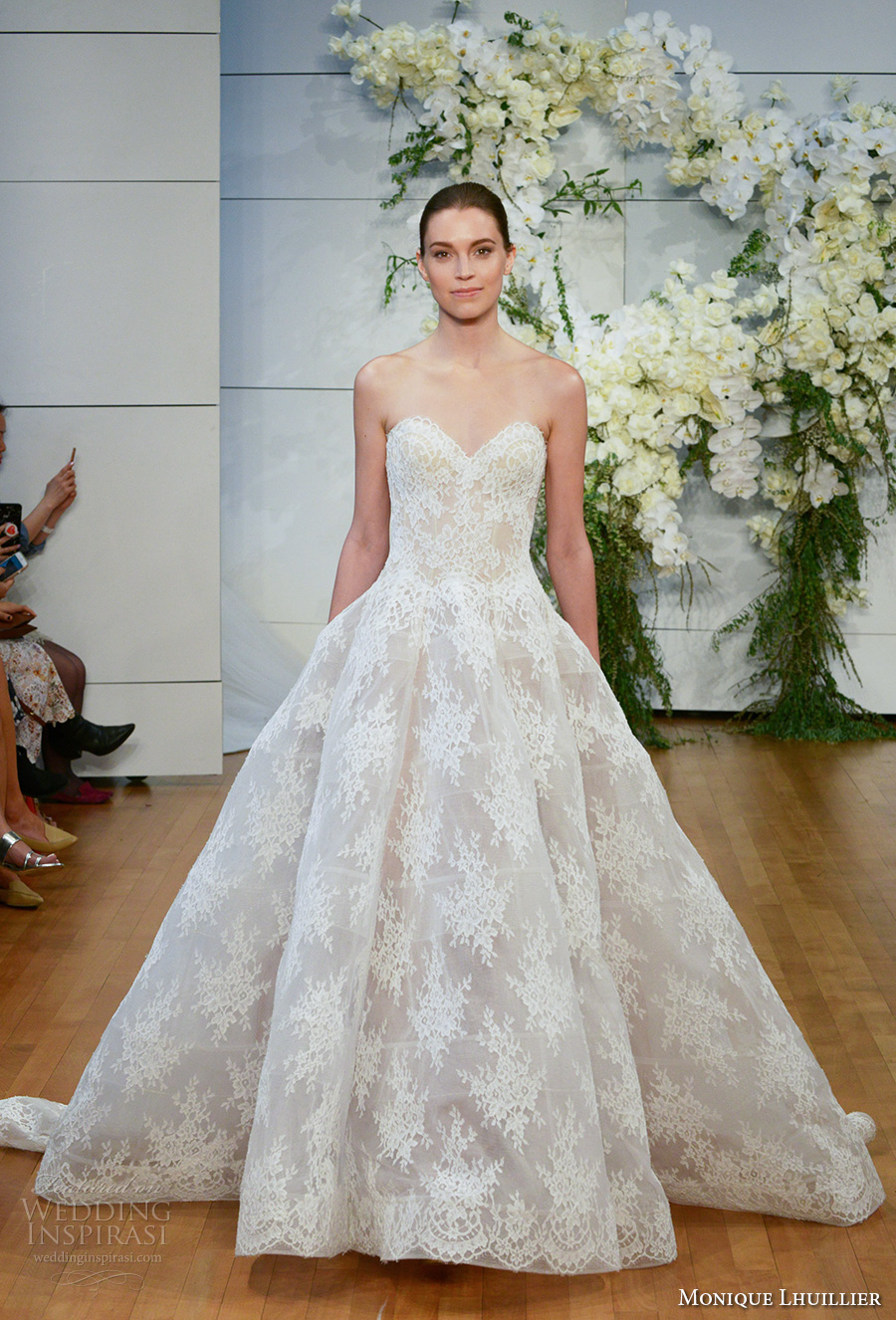 monique lhuillier spring 2018 bridal strapless sweetheart neckline full embellishment lace romantic princess ball gown wedding dress royal train (alexandra) mv