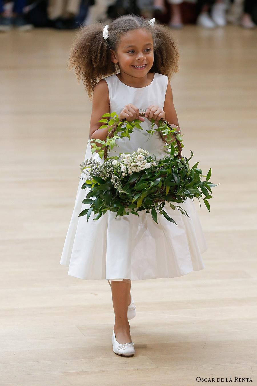 oscar de la renta spring 2018 bridal pretty flower girl dress (101) mv