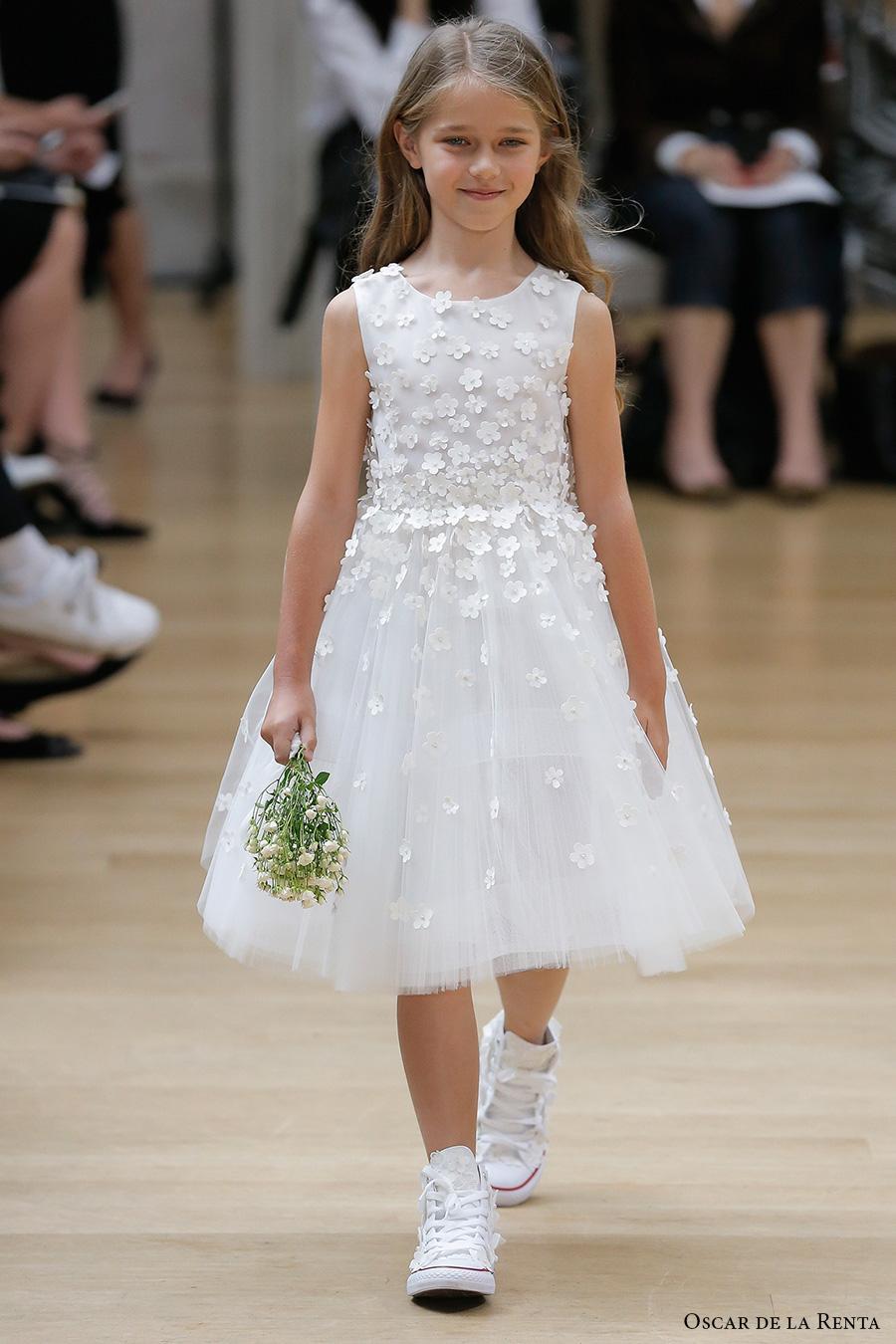 oscar de la renta spring 2018 bridal pretty flower girl dress (103) mv
