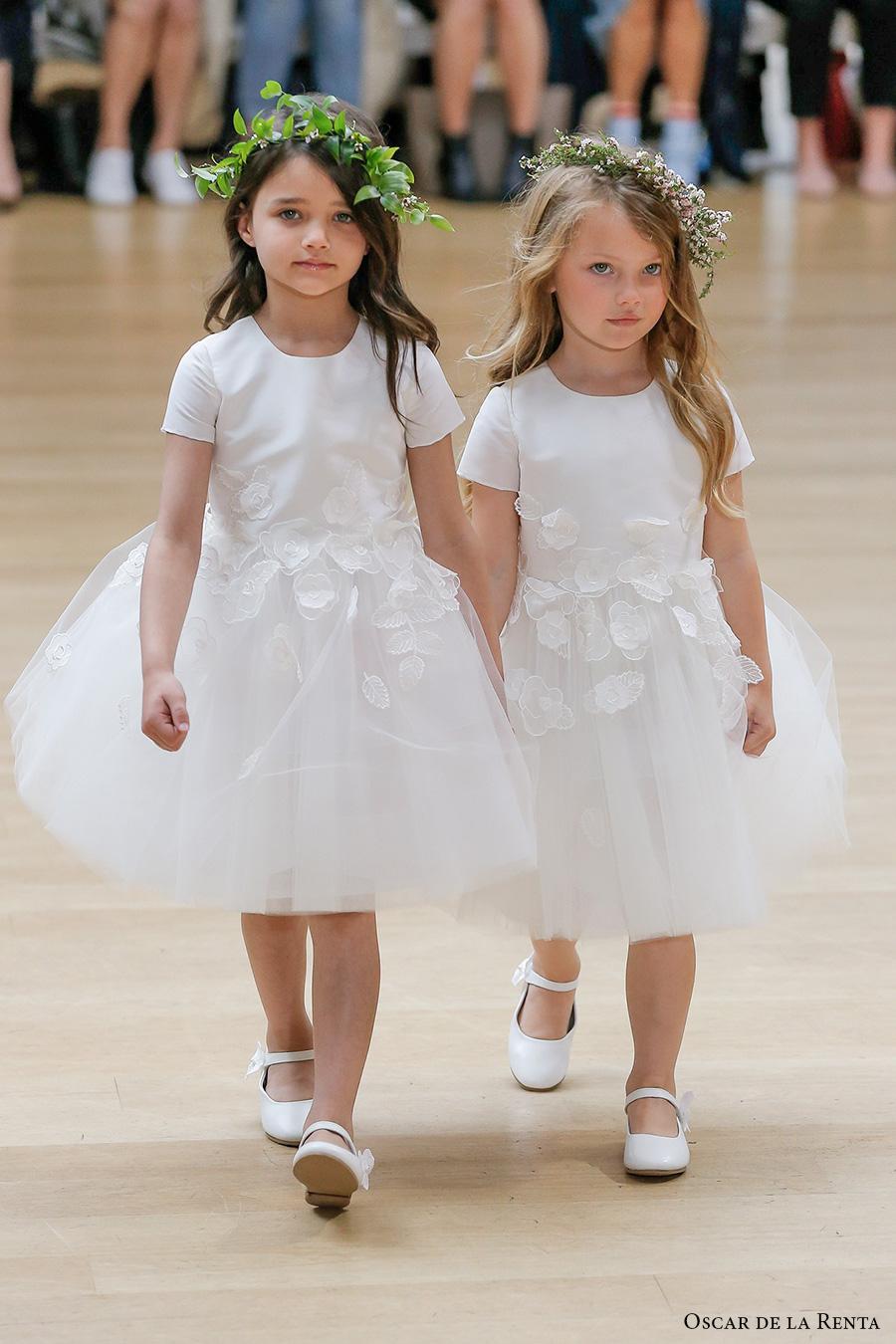 848972894b1 oscar de la renta spring 2018 bridal pretty flower girl dress (104) mv