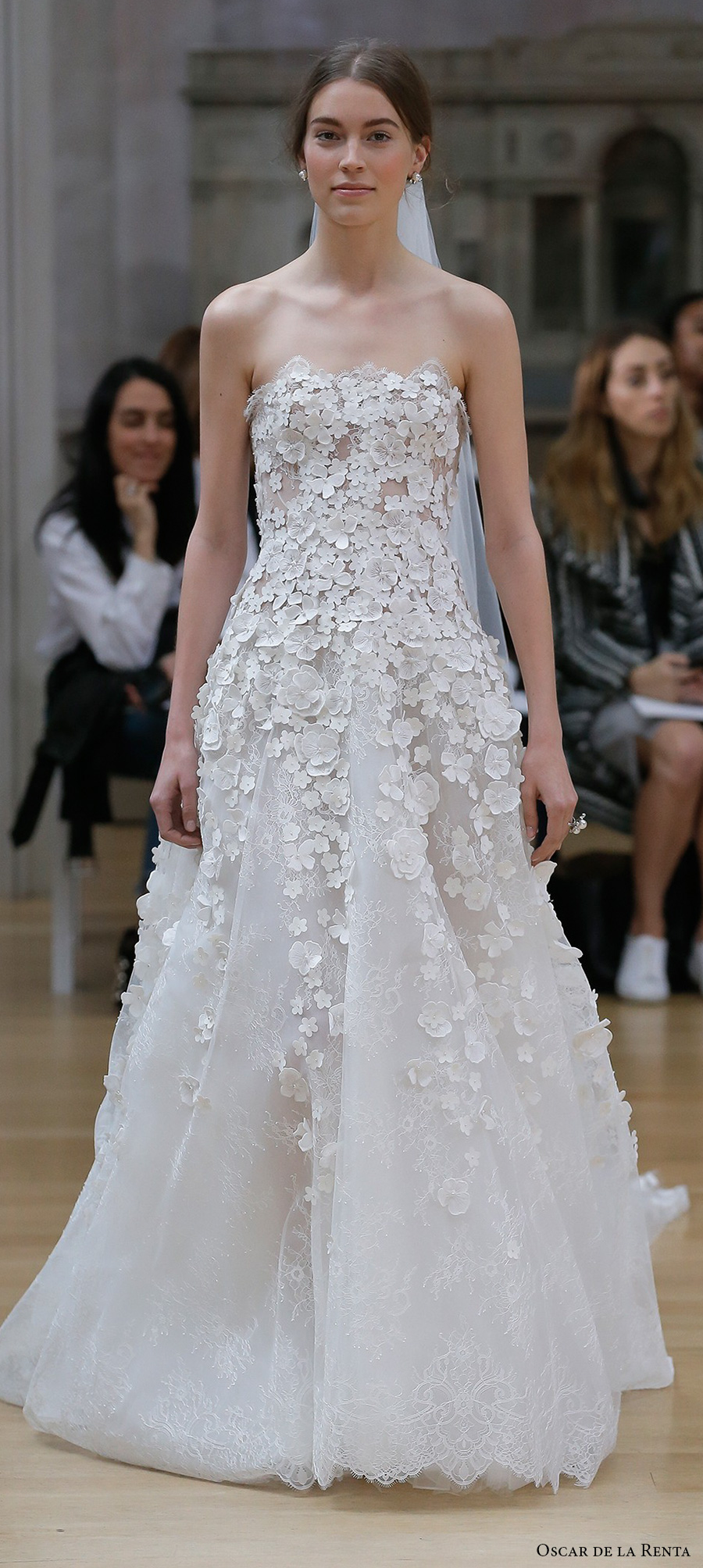 Oscar De La Renta Spring 2018 Wedding Dresses on oscar de la renta words