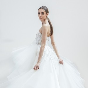 oscar de la renta spring 2018 bridal wedding inspirasi featured dresses gowns collection