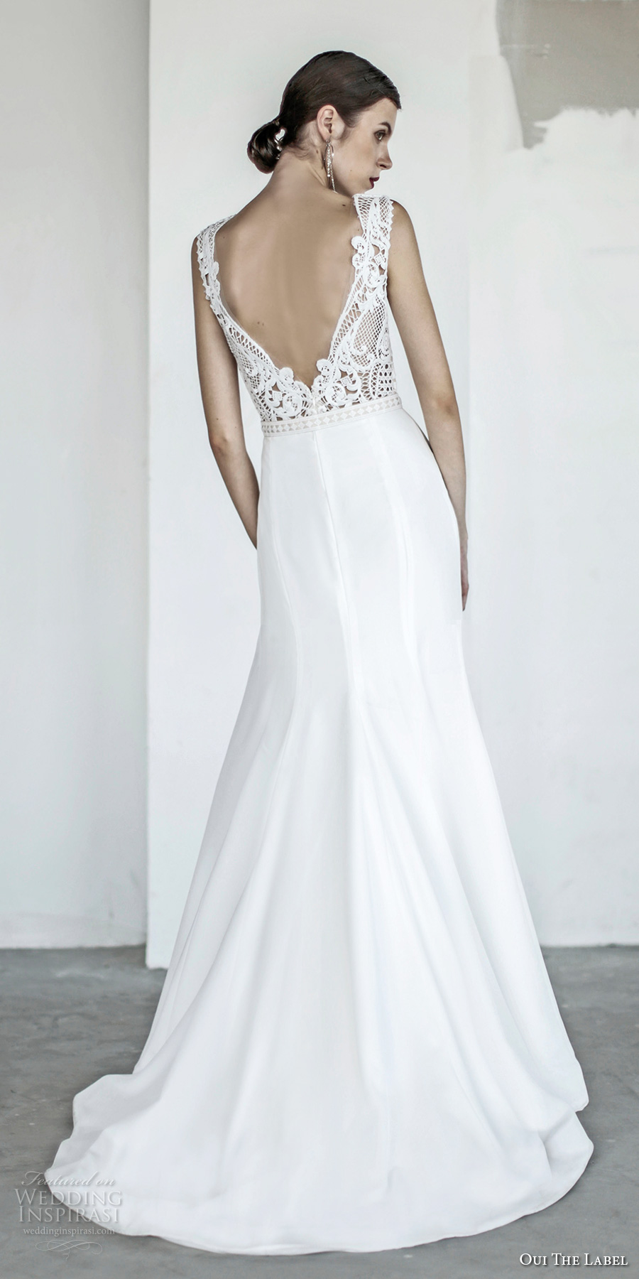 oui the label 2017 bridal sleeveless deep v neck heavily embellished bodice elegant sexy fit and flare wedding dress open v back chapel train (11) bv