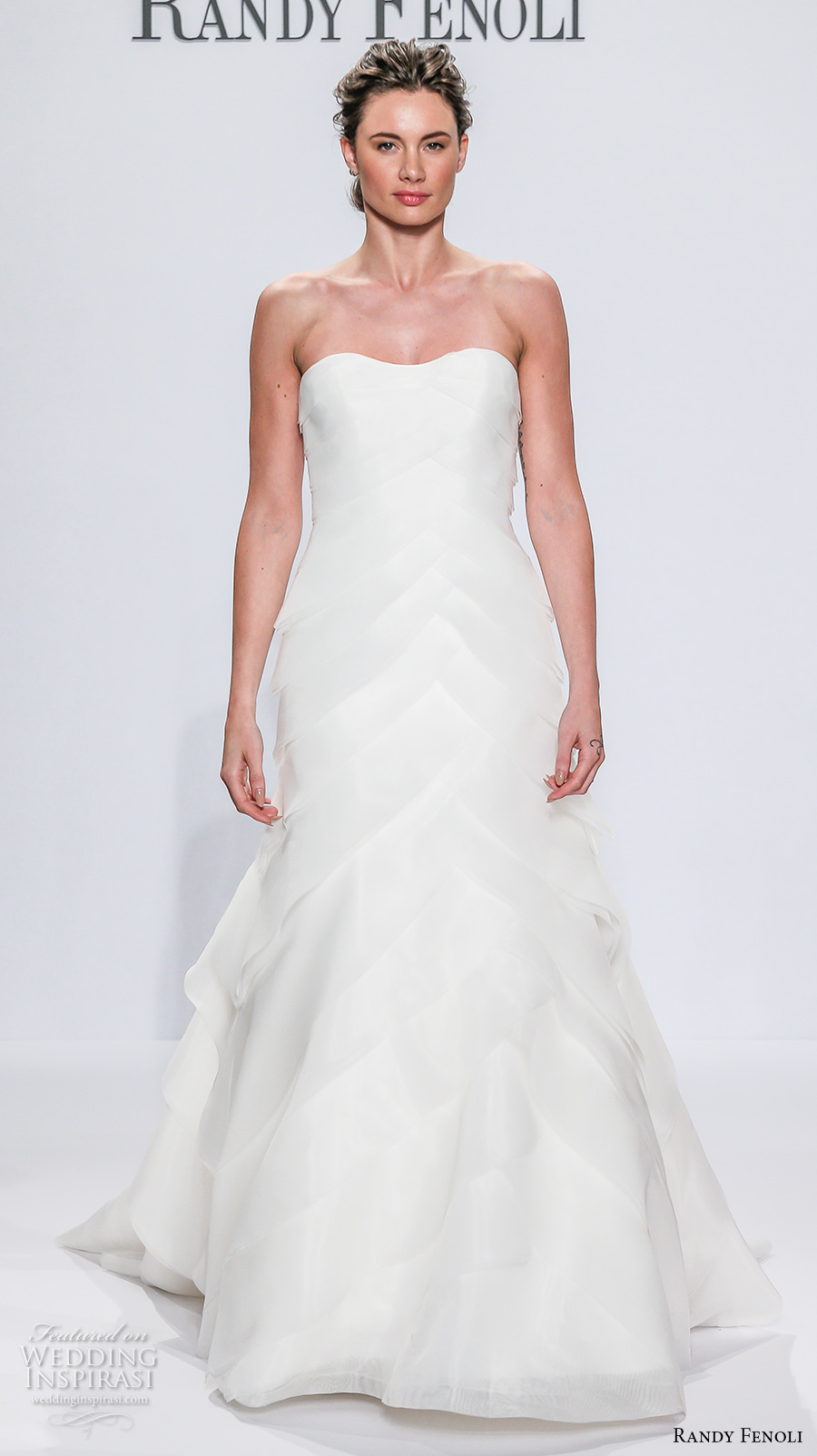 randy fenoli spring 2018 bridal semi sweetheart neckline simple elegant trumpet wedding dress chapel train (08) mv