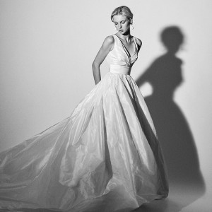 carolina herrera spring 2018 bridal wedding inspirasi featured dresses gowns collection