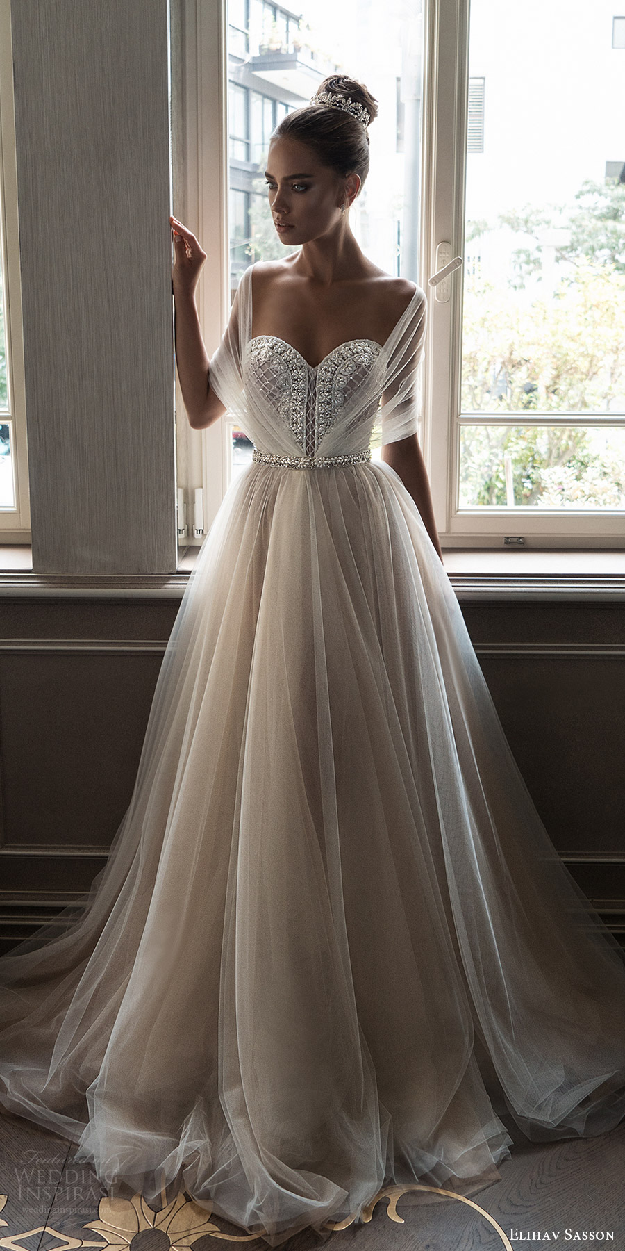 Designer beach wedding dresses 2018 cheap wedding dresses for Elegant ball gown wedding dresses