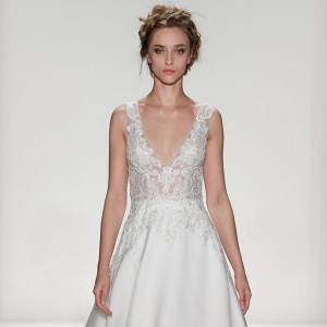 kelly faetanini spring 2018 bridal wedding inspirasi featured dresses gowns collection